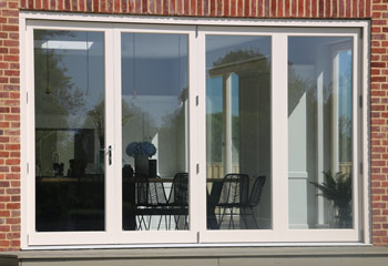 4 Leaf High Res. Title: Clear 4 Leaf Modern Bifold Doors