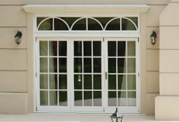 3 Leaf Bifold Doors with Detailed Top Lights